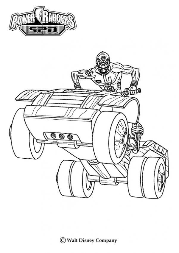 Tranh tô màu siêu nhân lái ô tô